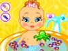 照顾婴儿洗澡